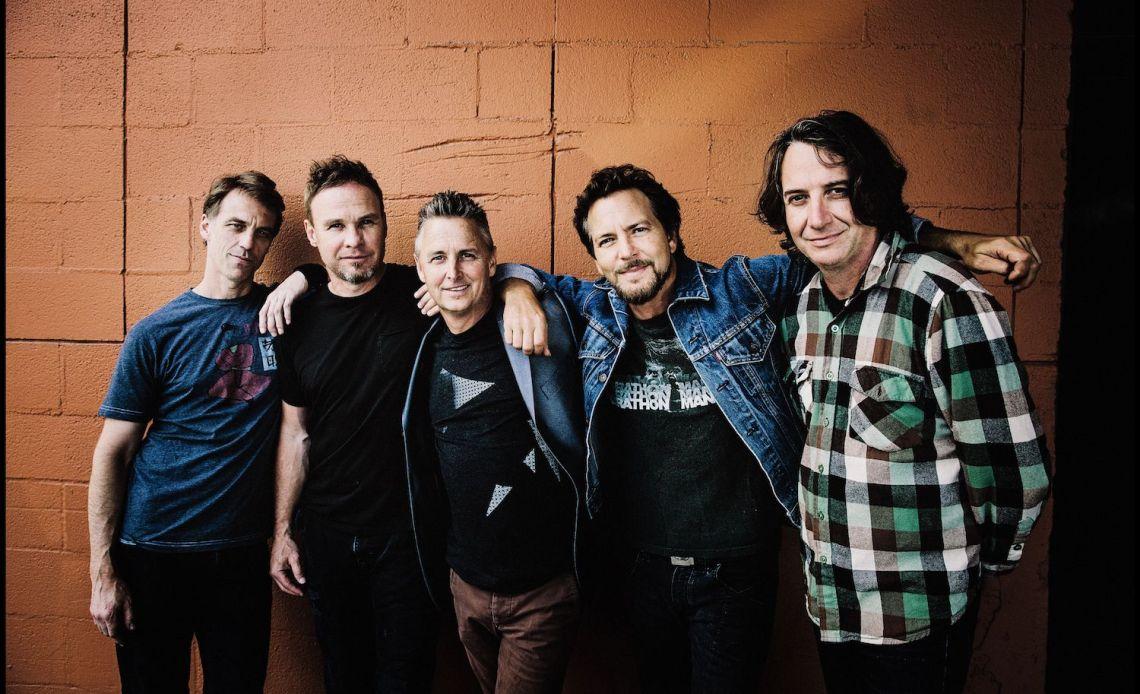 Pearl Jam - Gigaton review. Grunge alternative rock band