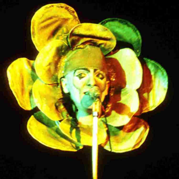 Peter Gabriel Flower mask, Genesis