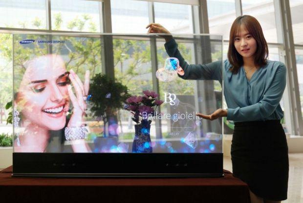 Samsung-Display-55-inch-Transparent-OLED_1_1-960x623