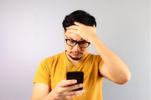 Huawei muestra publicidad en pantallas de bloqueo de sus smartphones