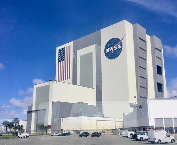 Cancelan programa de la NASA para regresar a la Luna por brote de COVID-19