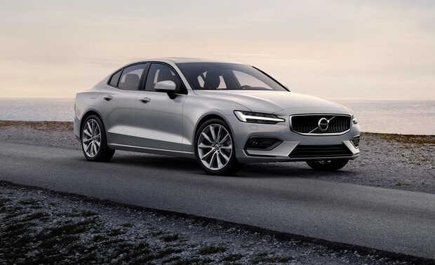 Volvo S60/V60: Su gama incluye varias versiones híbridas, dos de ellas enchufables, y opciones de gasolina, con potencias que llegan hasta los 415 CV. Cuenta con tecnología enfocada a la seguridad y a la asistencia, así como los sistemas de conectividad.