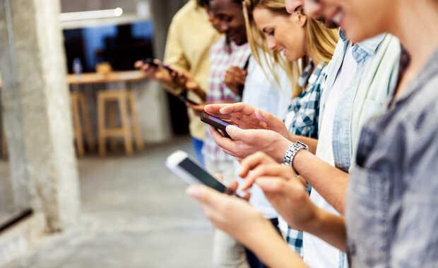 Uso de smartphones impulsa la educación a distancia en Colombia