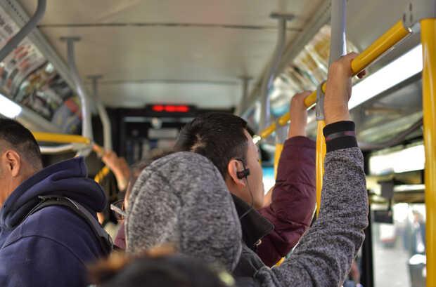 Google Maps ahora avisa si el autobús que esperas viene lleno o está retasado