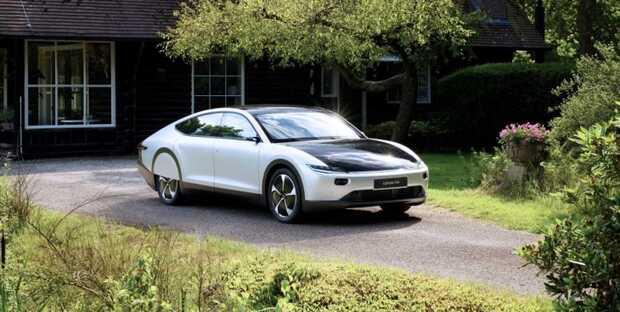 Lightyear One Primer automóvil solar del mundo con autonomía de 725 kilómetros