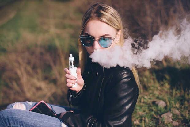 Vaper: Apple retira todas las apps relacionadas con cigarrillos eléctricos