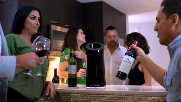 Vino Novo promete mejorar el sabor y aroma del vino en diez minutos