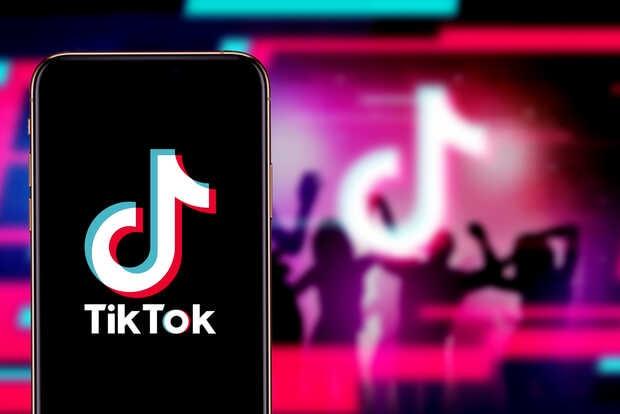 """TikTok niega tener nada en contra de los """"feos"""" o """"pobres"""""""