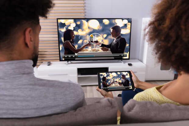 Europa pide a YouTube y Netflix que bajen la calidad de los videos para desahogar la red
