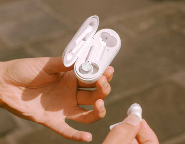 Nuevos y económicos auriculares inalámbricos OnePlus Buds Z vienen con carga rápida
