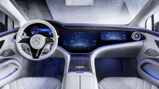 Mercedes Benz presenta su rival de vehículo eléctrico para Tesla