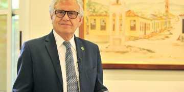 O governador Ronaldo Caiado anuncia novos editais de auxílio emergencial para Cultura e pede que todos se inscrevam (Foto: Lucas Diener/ Governo de Goiás)