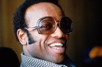 Bobby Womack poses for a portarit at home in 1974 in Los Angeles, United States. (Photo by Gijsbert Hanekroot/Redferns)