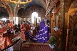 În Duminica a V-a după Paşti, Prea Sfințitul Nicodim, Episcop de Edineț și Briceni, a oficiat Sfînta Liturghie