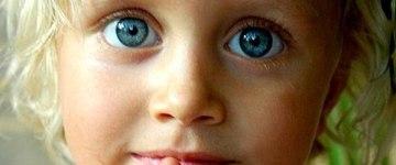 copil la rugaciune