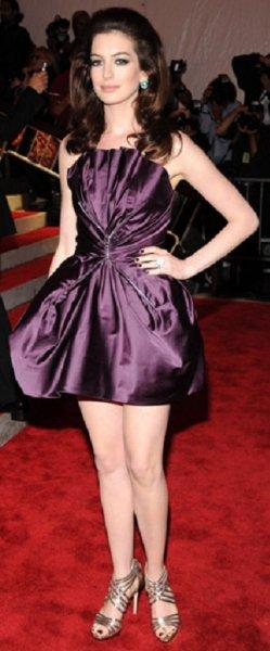 Anne Hathaway 02