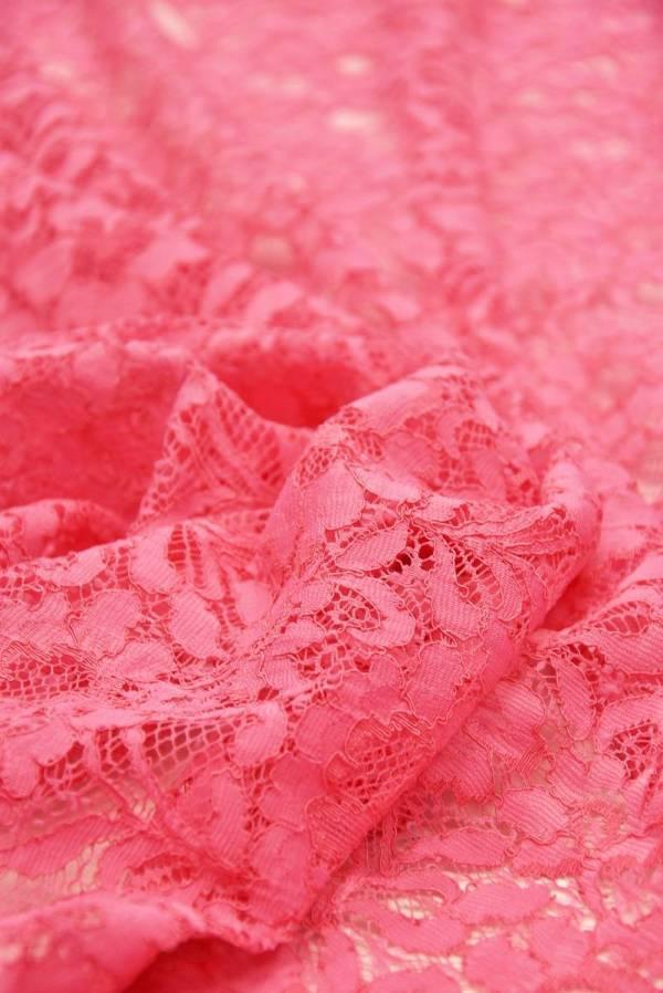 Кружево сутажное ярко-розовое с цветочным узором_04