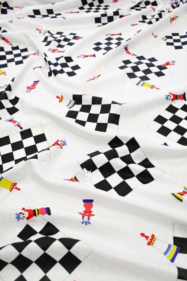 Плательная ткань белая с шахматами
