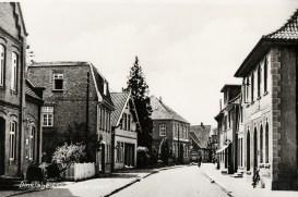-38- Blickrichtung Westen - links die Häuser Post, ? , Beckermann, verdeckt Mäckel und Hotel im Stern