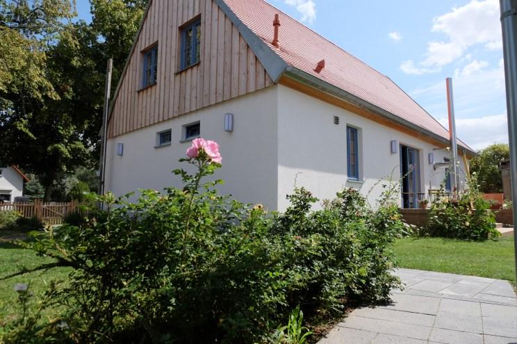 Seitliche Ansicht des Schnitterhauses