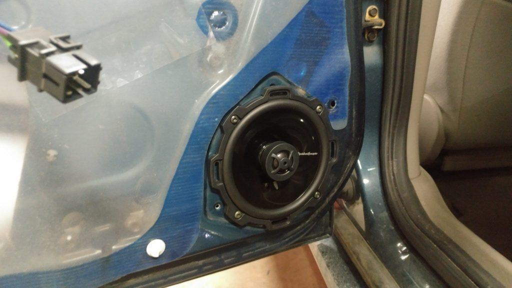 Saturn L series audio system install