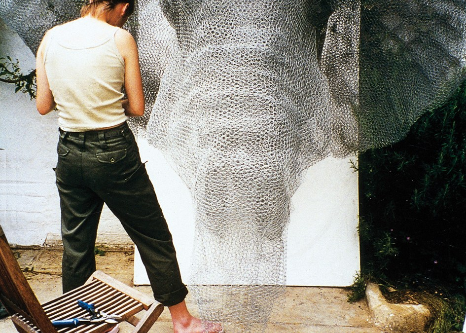 Lifelike Galvanized Wire Animal Sculptures by Kendra Haste