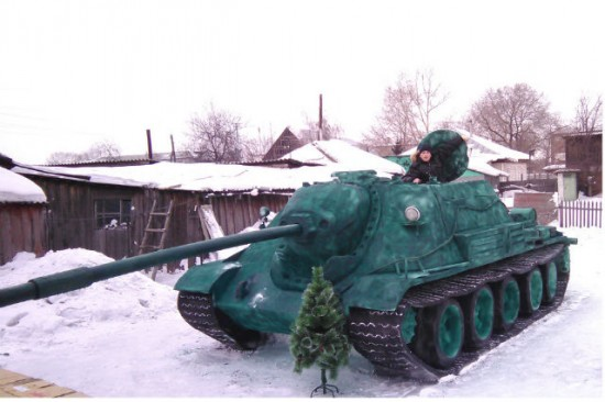 Russian Teen Builds Realistic Life-Size Tanks Out of Snow