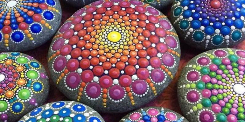 Stone Art Mandala – Elspeth Mclean Canada 1