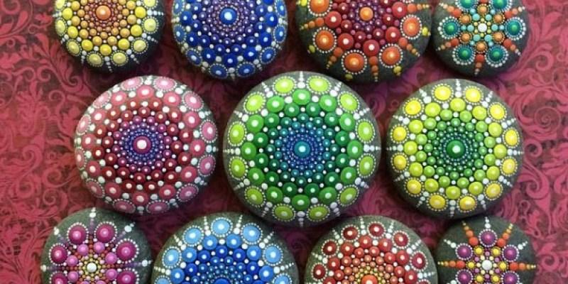 Stone Art Mandala – Elspeth Mclean Canada 9