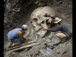 Very Strange Bones. Did Giants Really Exist ?