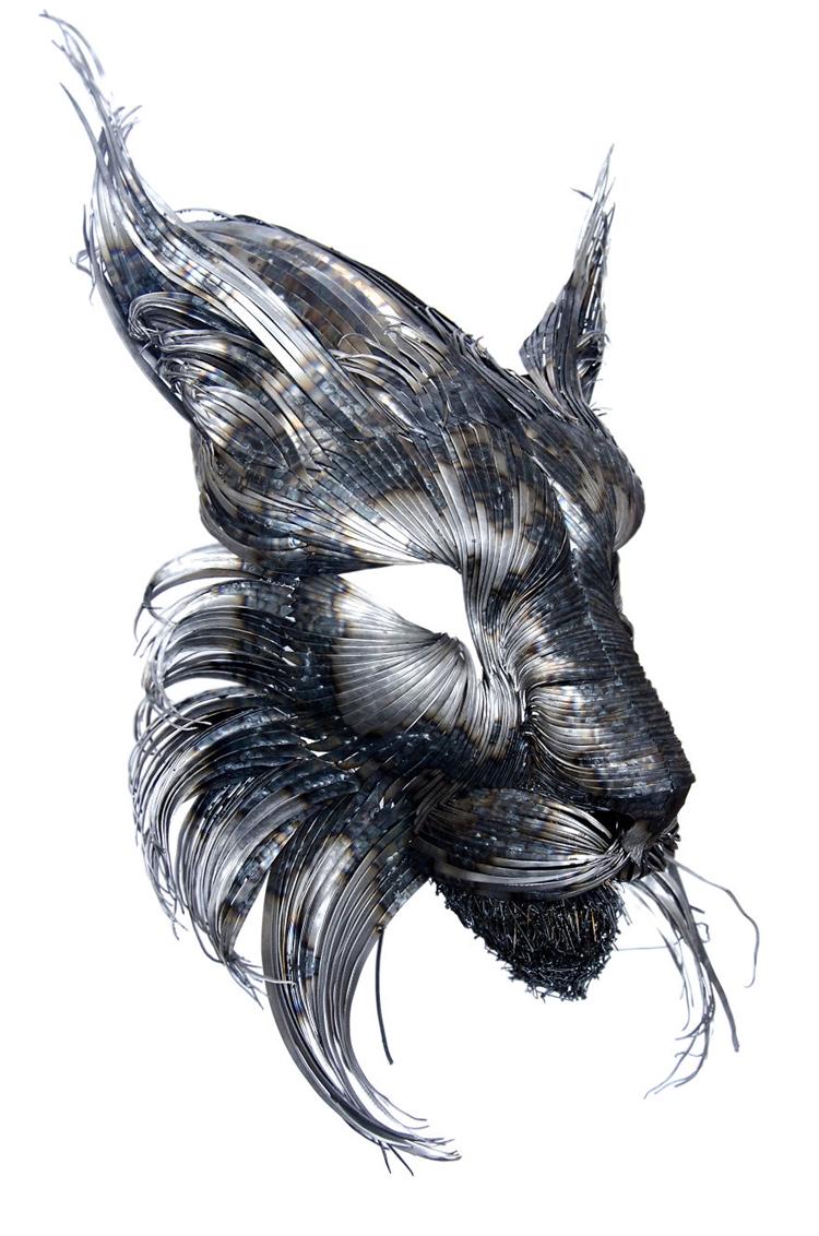metal-animal-masks-lynx-side
