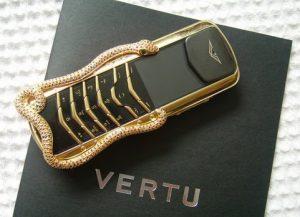7. Vertu Signature Cobra