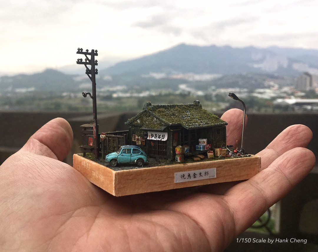ARTIST MAKES MINIATURE MODEL OF HIS ROOM 35