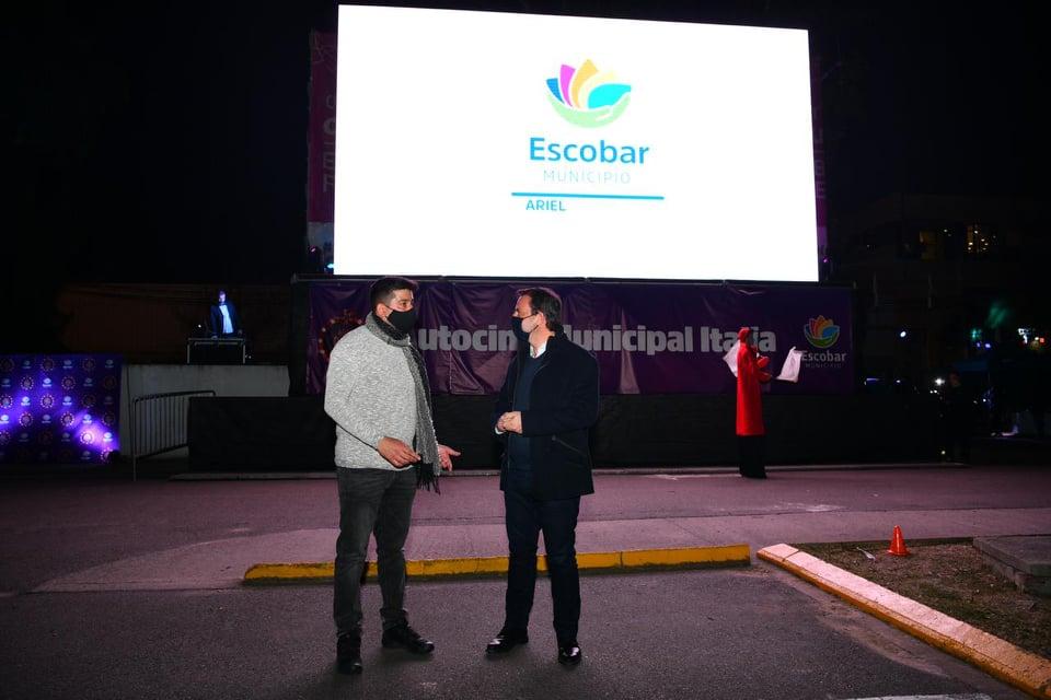 Escobar inauguró el autocine municipal Italia, el primero en la historia del distrito