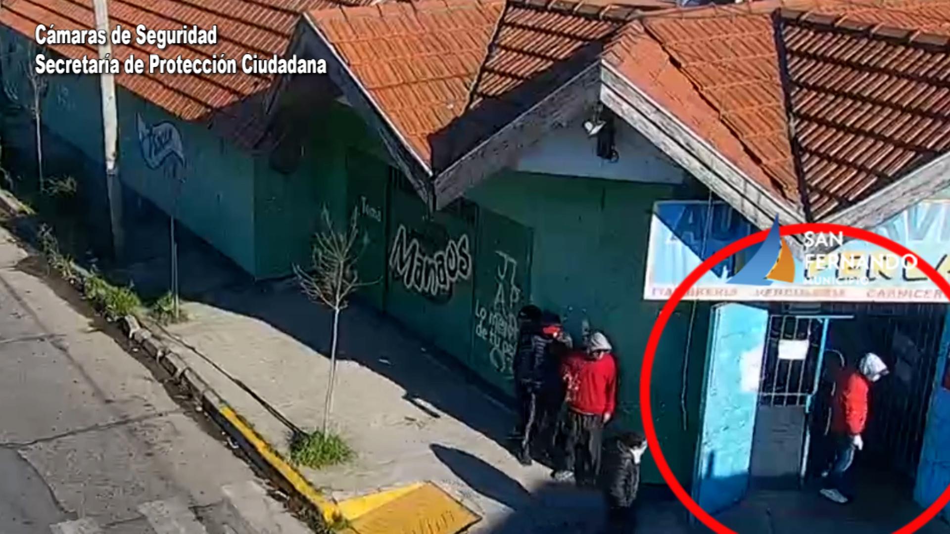 Por las Cámaras de San Fernando, detuvieron a cuatro personas por robar bebidas alcohólicas
