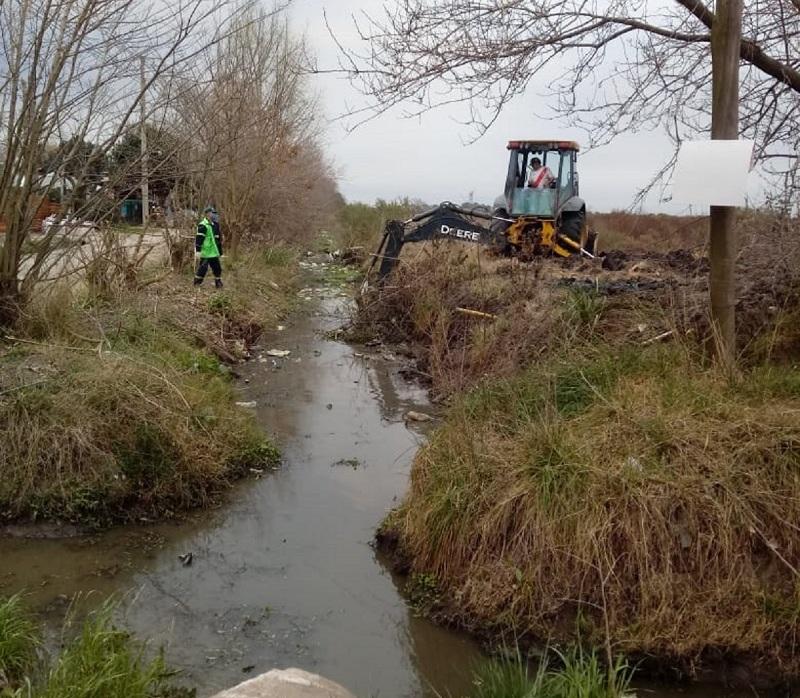 Continúan los trabajos hidráulicos de la Municipalidad de Escobar en distintos puntos del partido