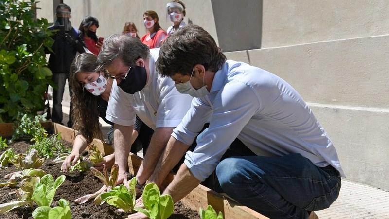 Juan Andreotti presentó la Huerta Orgánica de la Parroquia Nuestra Señora de Aránzazu