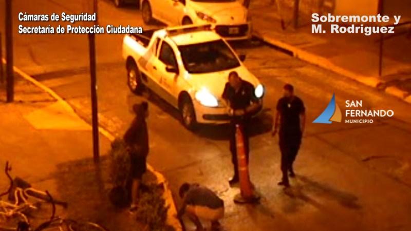 Defensa Civil de San Fernando rescató a un perro ciego que quedó atrapado en una alcantarilla