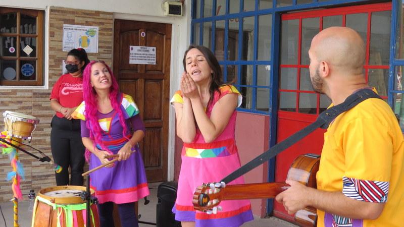 Verónica Sabena visitó a los alumnos de la Escuela Primaria 9 de Garín