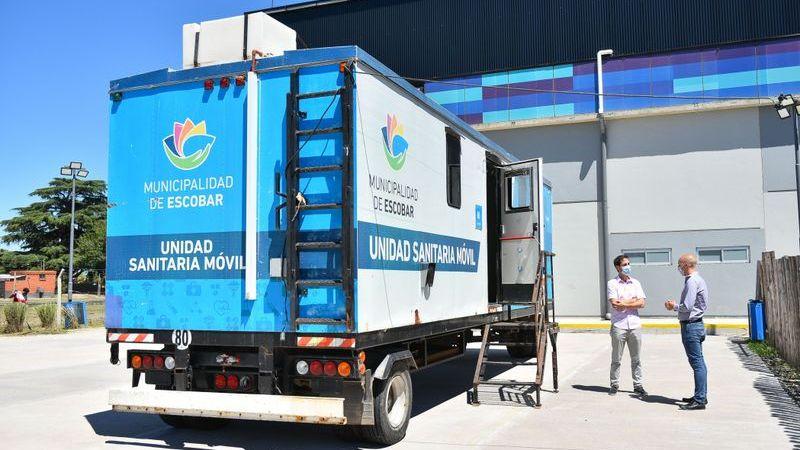 Beto Ramil supervisó el operativo de hisopado en Garín y entregó tapabocas donados por la UNSAM y FUNINTEC