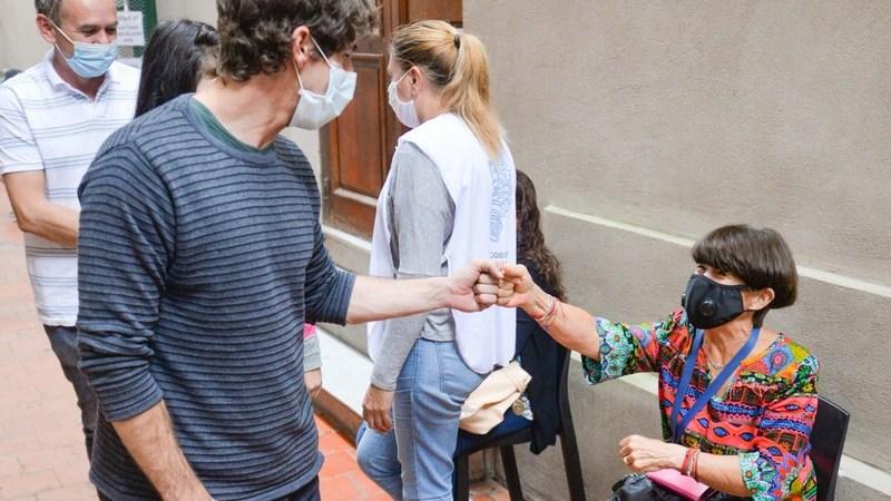 Juan Andreotti visitó el Centro de Vacunación que funciona en la Parroquia Nuestra Señora de Aránzazu