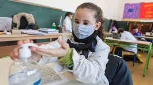 Un estudio asegura que el cierre de las escuelas es la segunda medida más importante para la reducción de los contagios