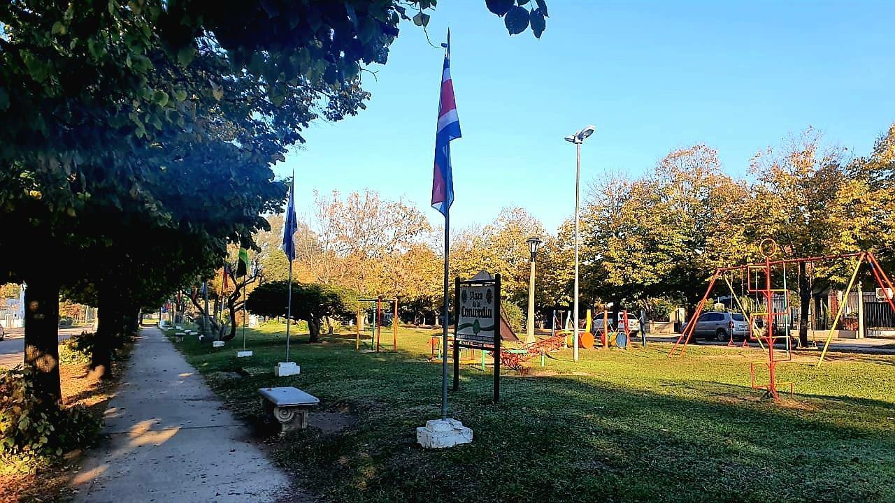 Reponen las Banderas en la Plaza de la Concordia
