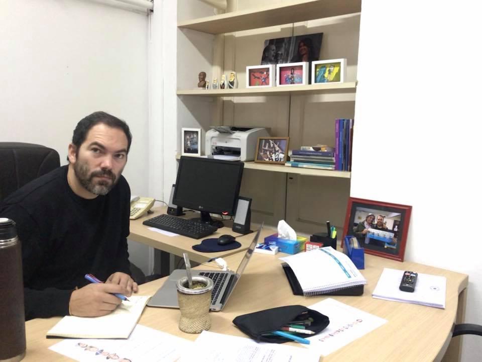 """Matías Molle: """" La oposición no piensa en mejores estrategias para enfrentar la pandemia, creen que si al gobierno le va mal,  les va a ir bien a ellos"""""""