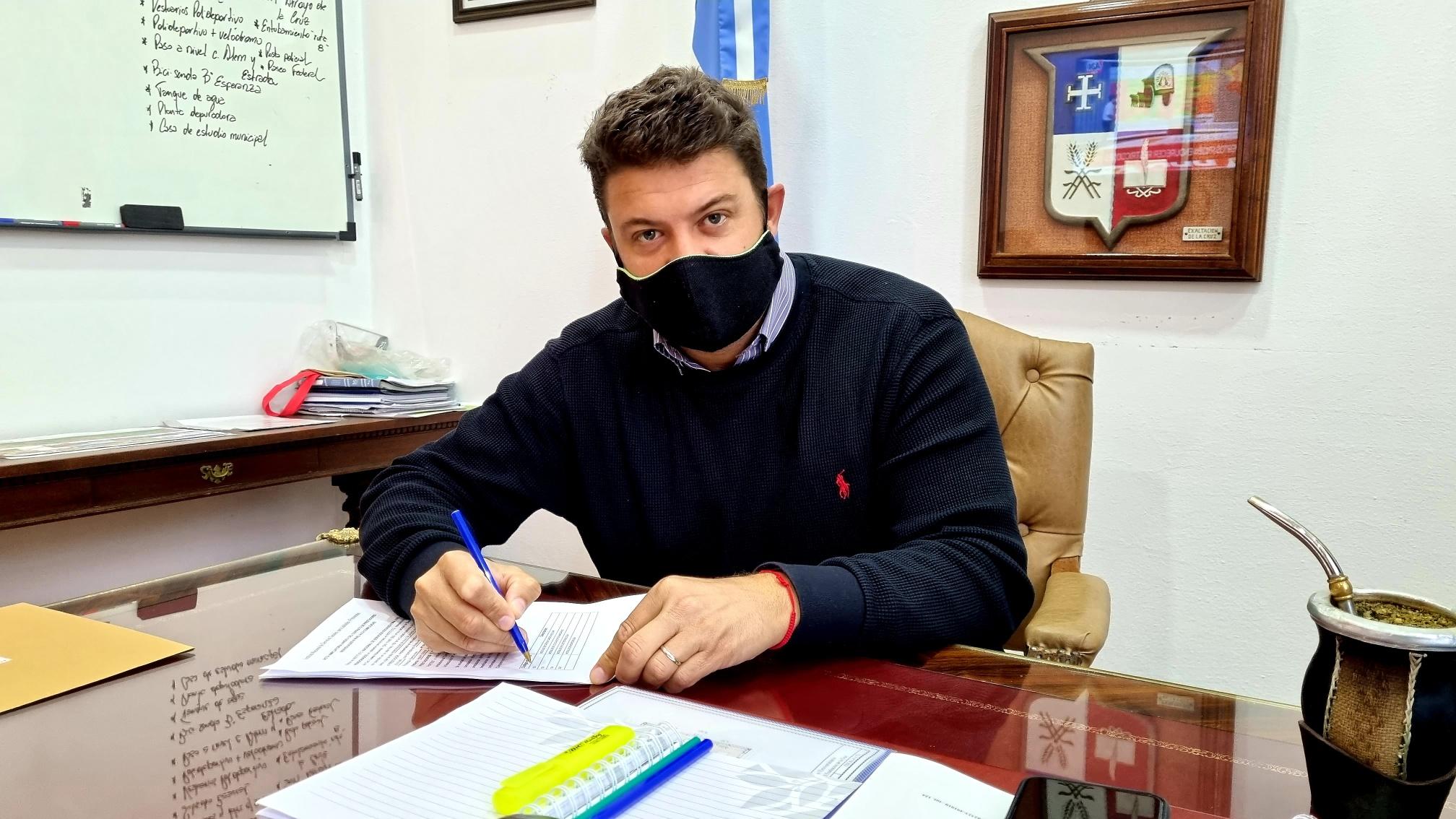 """Diego Nanni: """"Trabajando con esfuerzo, los vecinos  puedan tener la posibilidad de acceder a una vivienda"""""""