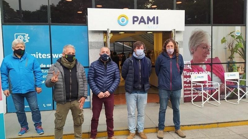 De Isasi visitó el vacunatorio de PAMI en Vicente López