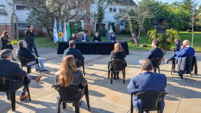 San Fernando y UNLu acordaron mejorar las instalaciones de la Universidad y cuidar la Reserva Ecológica Educativa que será para todos