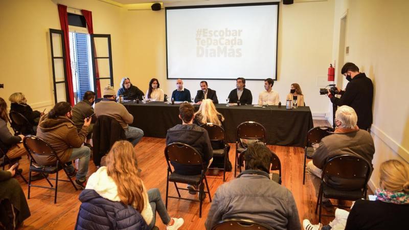 Ariel Sujarchuk presentó  a los Precandidat@s del FdT de Escobar