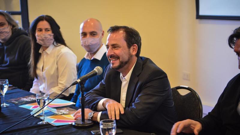 Ariel Sujarchuk brindó una conferencia de Prensa ,  tras haber padecido COVID-19