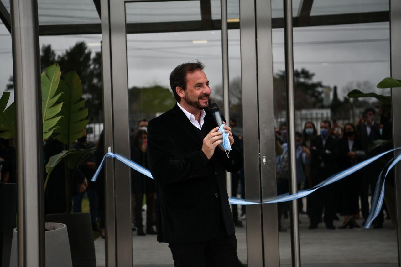 Ariel Sujarchuk participó de la inauguración de un centro de diagnóstico médico privado en Ingeniero Maschwitz